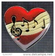 Pin's Coeur Et Note De Musique - Muziek