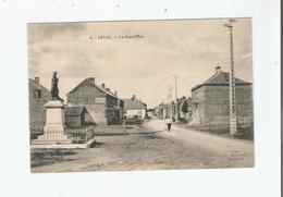 LEVAL (NORD) 1 LA GRAND'RUE  (MONUMENT AUX MORTS ET PLAQUE PUBLICITAIRE BYRRH) - Frankreich