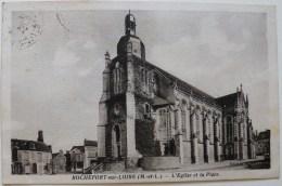CP2206 - Rochefort-sur-Loire - L'Eglise Et La Place - Ecrite - Non Classés