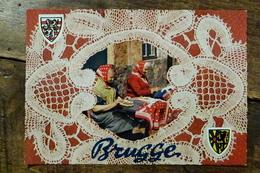 BELGIQUE, BRUGES, SOUVENIR, DENTELIERES - Brugge