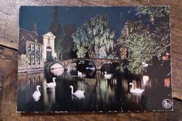 BELGIQUE, BRUGES, ILLUMINATION DU PONT DU BEGUINAGE - Brugge