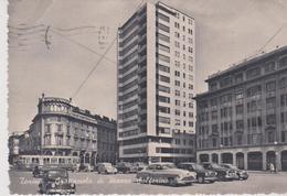 CPSM 10X15 . ITALIE . TORINO . Grattacielo Di Piazza Solferino  ( Tramway  E Macchine Delle Anni 1950 ) - Places