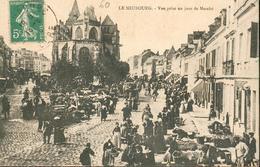 CPA - 27 - Le Neubourg - Vue Prise Un Jour De Marché - Le Neubourg