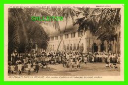 MISSIONS - LES FRANCISCAINES MISSIONNAIRES DE MARIE EN MISSION, MORATUWA - ENFANTS EN RÉCRÉATION SOUS LES COCOTIERS - - Missions