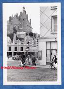 Photo Ancienne - GIEN - Travaux D'un Immeuble - Carrefour - Feux Tricolore - Sens Interdit - Vélo Automobile - Automobiles