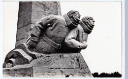 Etretat  (Seine-Maritime)   Monument Nungesser Et Coly    LES 2 CARTES     (CPSM, Bords Dentelés, Format 9 X 14) - Etretat