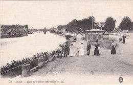 Carte Postale Ancienne De L'Yonne - Sens - Quai De L'Yonne(côté Ville) - Sens