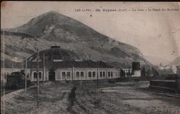 CPA VEYNES - 1914 - La Gare - Le Dépôt Des Machines - Les Alpes - N°864 - France