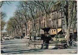 Aix-en-Provence: MOPED MOBYLETTE, SIMCA 1300, RENAULT 4, 3x CITROËN 2CV, PEUGEOT 403, 404, SIMCA 1000 - Cours Mirabeau - Voitures De Tourisme