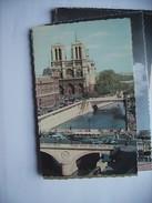 Frankrijk France Frankreich Parijs Paris Notre Dame  Et Seine Et Voitures - Notre-Dame De Paris