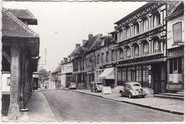 "LYONS-la-FORÊT - Place Benserade - Hôtel-Restaurant ""Le Grand Cerf"" - Voitures 4cv Et 2cv - CPSM PF Datée 1963 - Lyons-la-Forêt"
