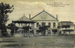 CPA - FRANCE - Digoin Est Une Commune Du Départ. De Saône-et-Loire - Place De Le République ,Salle Des Fêtes Et Kiosque - Digoin