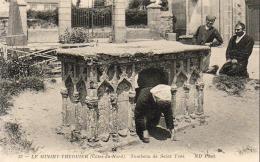 D22  TREGUIER  Le MINIHY Tombeau De Saint Yves - Tréguier