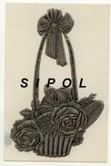Corbeille De Roses Métallisée Sur Carte Blanche Noces D Argent  Dos Simple Voyagé En 1947 Sous Enveloppe BE - Vari