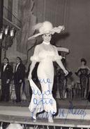 Fotografia B/N Di Aurora Banfi ( Dedica Con Autografo ) 15 X 10,5 - Foto Dedicate