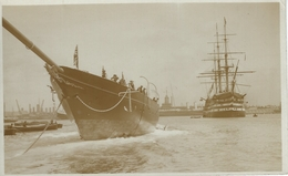 Launching Of Ship In Portsmouth Harbour. S-3206 - Barche