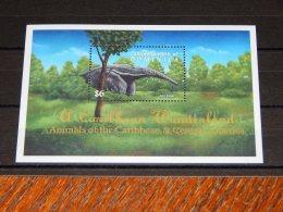 Dominica - 2001 Fauna Of Central America Block (2) MNH__(TH-15700) - Dominica (1978-...)