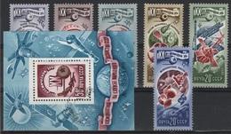 RUS 84 - RUSSIE N° 4404/09 Neufs** + BF 121 Obl. Thème Cosmos - 1923-1991 USSR