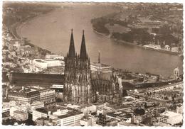 Köln Am Rhein - Dom Und Rhein - Fliegeraufnahme - Fotokarte Verlag Bahnhofsbuchhandlung Gerhard Ludwig - Köln