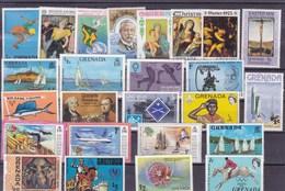 GRENADE: Y&T :lot De 25 Timbres * - Grenada (1974-...)