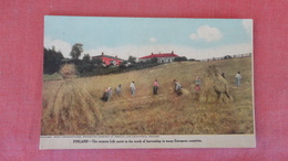 > Finland Women Folk Assist In Harvesting   --ref 2508 - Finland