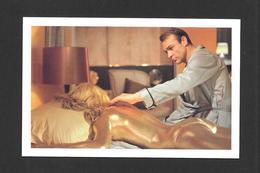 ACTEURS - ACTRICES - CINÉMA - JAMES BOND AGENT 007 - SEAN CONNERY DISCOVERS SHIRLEY EATON DEAD IN GOLDFINGER (1964) - Actors