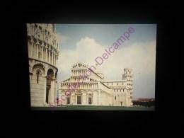 Diapositive Slide Diapo 1968 Italie Italy Pise Vu Générale Sur Le Baptistere Le Duomo La Tour - Diapositive