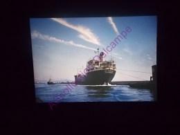 Diapositive Slide Diapo 1968 Italie Italy Genes Dans Le Port - Diapositive
