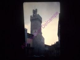 Diapositive Slide Diapo 1968 Italie Italy Arezzo Vue Du Duomo Sur Le Palazzo Communale - Diapositive