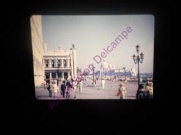 Diapositive Slide Diapo 1968 Italie Italy Venise Vue Sur La Piazzetta - Diapositive
