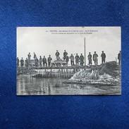CPA-10-TROYES-Inondations Du 22 Janv 1910-Après Le Désastre-Une Des Brèches En Réparation Sur La Ligne De Brienne-Animée - Troyes