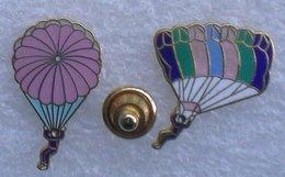 PARACHUTISTE 2 PIN'S         AAAA   072 - Parachutting