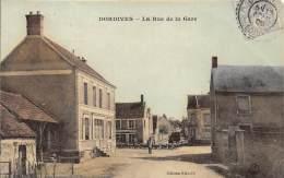 45 - LOIRET - DORDIVES - La Rue De La Gare - Belle Carte Glacée Et Colorisée - Dordives