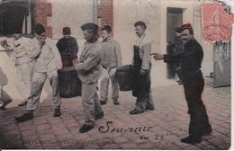 CPA Les Plaisirs De La Caserne - Une Mauvaise Corvée - Souvenir Du 22eme - WW1 (27760) - Guerre 1914-18