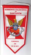 CLOTH PENNANT/FLAG - PORTUGAL SANTARÉM BOMBEIROS VOLUNTARIOS SANTARÉM FIREMAN'S FIREMEN VINTAGE - Organizations