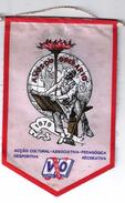 CLOTH PENNANT/FLAG- PORTUGAL LISBOA VOZ DO OPERARIO VINTAGE - Organizations