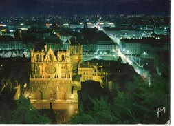 Lyon La Cathedrale Saint Jean Et La Ville La Nuit 1970 CPM Ou CPSM - Otros