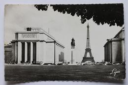 Le Palais De Chaillot, La Statue Equestre Du Marechal Foch Et La Tour Eiffel, Paris, France, Real Photo Postcard - France