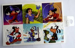 PLAQUE DE POG DISNEY MICKEY ET BLANCHE NEIGE - 6 POGS - Disney
