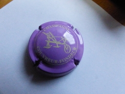 CAPSULE CHAMPAGNE COUVREUR FONDEUR LILAS ROSE - Other