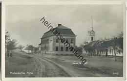 Laa An Der Thaya - Wulzeshofen - Volksschule - Foto-Ansichtskarte - Laa An Der Thaya