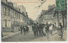 EQUEURDREVILLE - La Rue De La République - Equeurdreville