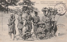 HAUTE-GUINEE  KANKAN    Chasseurs D'Elephants De La Region De Kankan   SUPER PLAN 1908 PAS COURANT - Guinea