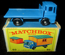 LESNEY - MATCHBOX *** NR 60 TRUCK WITH SITE HUT -  ORIGINAL BOX - VOITURE CONDITION D - EN BOITE ORIGINALE *** 1965 ! - Jouets Anciens