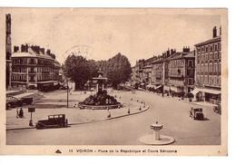 VOIRON: Place De La République Et Cours Sénozans - Voiron