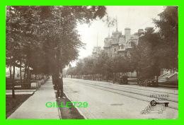 QUÉBEC, LA CITÉ - DÉCOUVRIR LA GRANDE ALLÉE VERS 1900 - CIRCULÉE EN 1988 - - Québec - La Cité