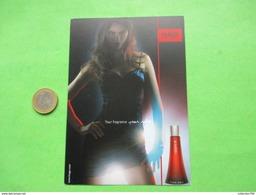 BOSS HUGO    -  Carte Parfumée - Perfume Cards