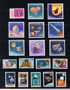 Space Collection 18 X MNH - Rocket, Cosmonauts, Spaceship,... WW
