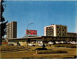 "BELFORT CENTRE COMMERCIAL ""SUMA"" LES RESIDENCES ,VOITURES ANNEES 60,PEUGEOT RENAULT,A VOIR !!!  REF 51188 - Belfort - Ville"
