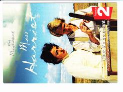 """CHEZ MAUPASSANT """"Miss Harriet"""", Nouvelle France 2, Couple, Ed. Cartcomeco 2002 Environ - Affiches Sur Carte"""